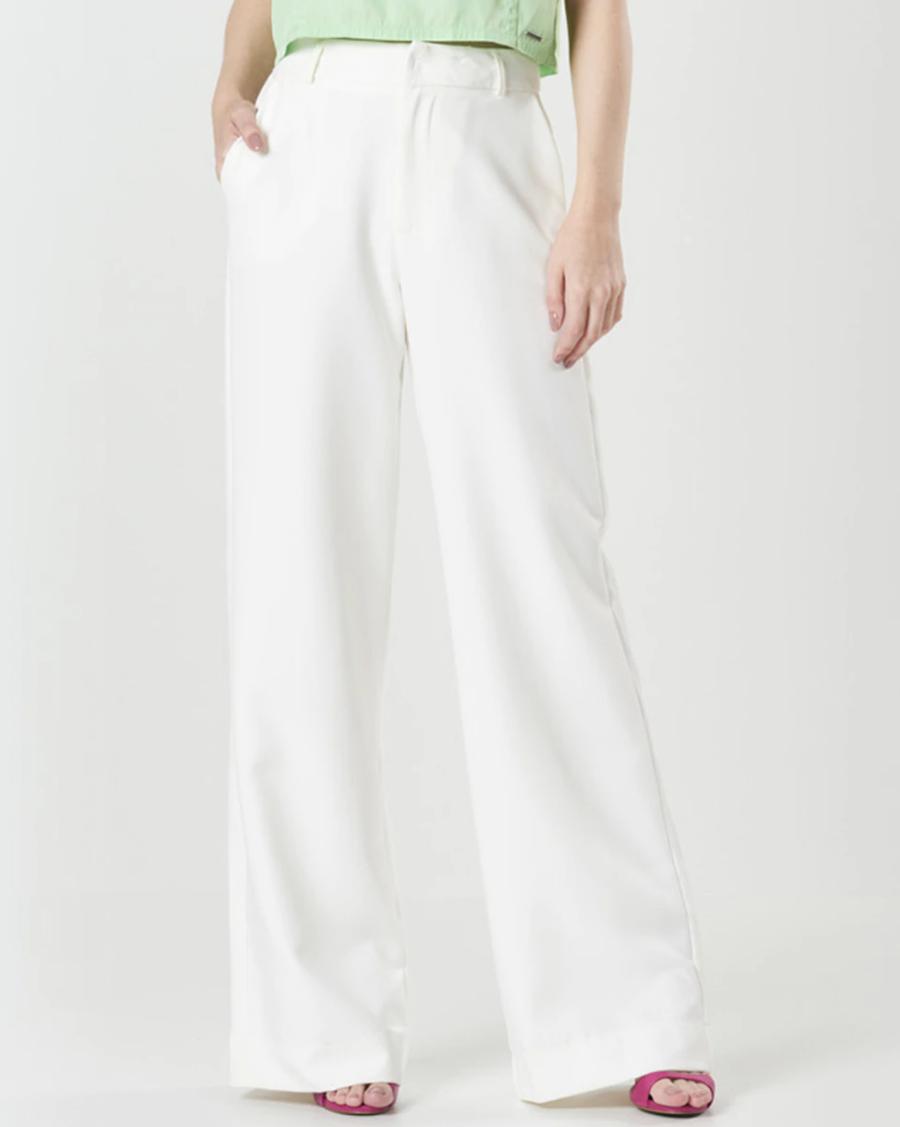 Pantalón fluido de mujer con trabillas en color blanco