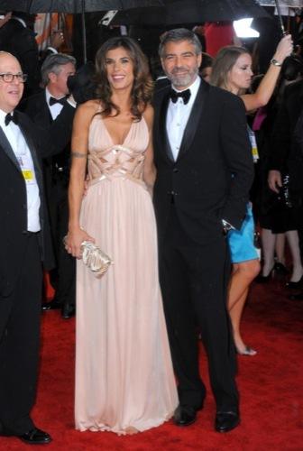 Las famosas peor vestidas de los Globos de Oro. Elisabetta Canalis