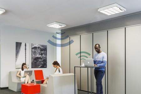 Trulifi: las nuevas bombillas LiFi de Phillips que son capaces de transmitir datos a 250 Mbps usando únicamente luz