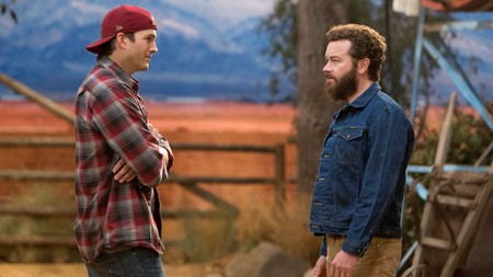 Ashton Kutcher y Danny Masterson en The Ranch