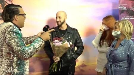 Pablo ('La Isla de las Tentaciones') se declara a Terelu con un Rosito delante de Carmen Borrego y Alejandra Rubio