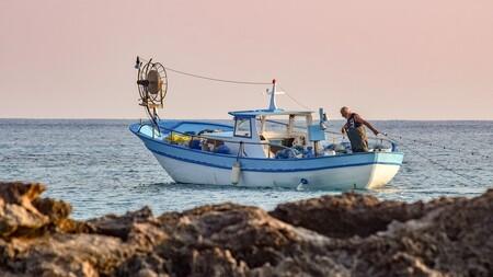 Fishing Boat 5736839 1920