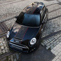 Mini Coopers S Carbon Edition, once you go black, you never go back