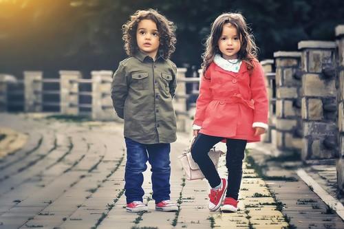 Las mejores ofertas de zapatillas para niños hoy en las rebajas de Sarenza: Converse, Adidas o Vans