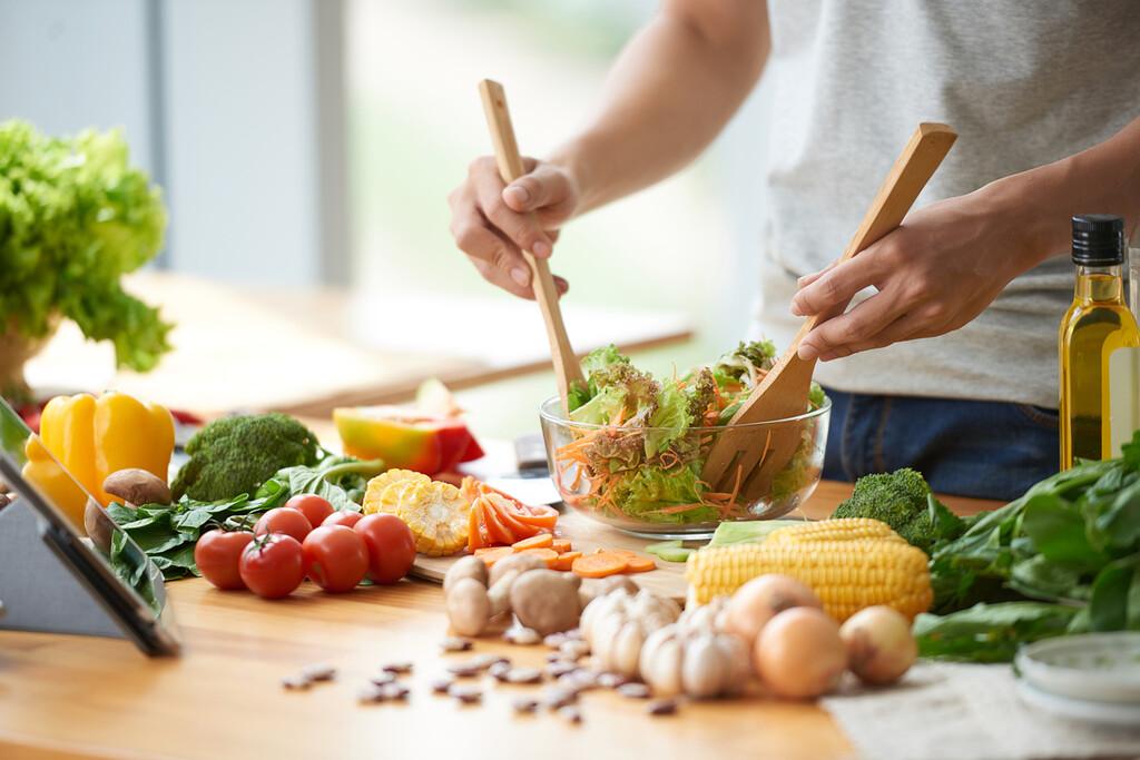 Dieta de definición: cuántas calorías, cuántas comidas, cuándo hacerlas y qué alimentos priorizar