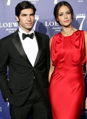 Eva González espectacular con un vestido rojo de Dior