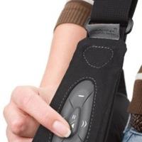 Dicota saca mochilas y fundas con las que controlar el iPhone sin sacarlo