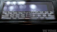 Tactus Technology presenta una pantalla táctil con botones que aparecen y desaparecen