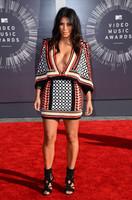 Kim Kardashian y sus ponchos