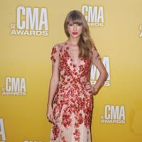 Las chicas de hoy en día también acuden modernas a los Premios de la Música Country