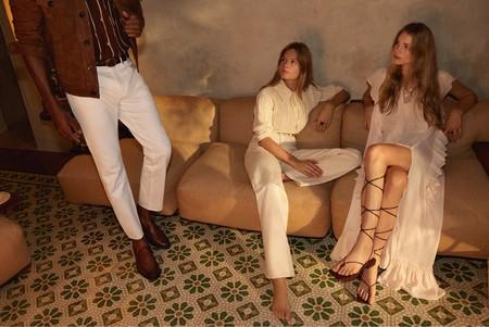 11 sandalias planas de Mango que vamos a repetir sin parar porque quedan genial con vestidos midi