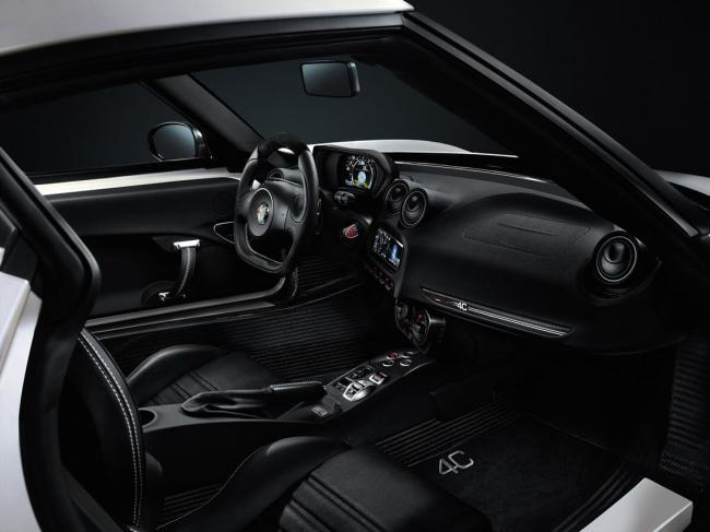 Alfa Romeo 4C Launch Edition interior