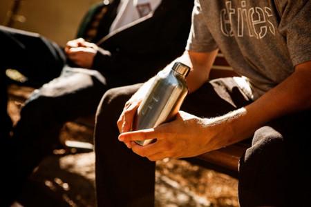 Botella para agua Fred, olvídate de la vieja botella de plástico