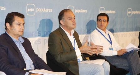 """Esteban González Pons: """"Internet cuestiona el papel de los intermediarios en la política"""""""