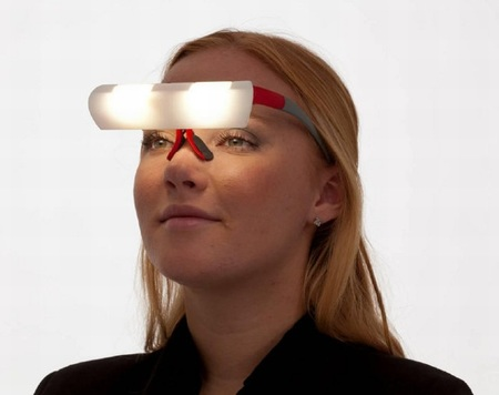 Seqinetic, las gafas con LEDs que buscan levantarnos de la cama con buen ánimo