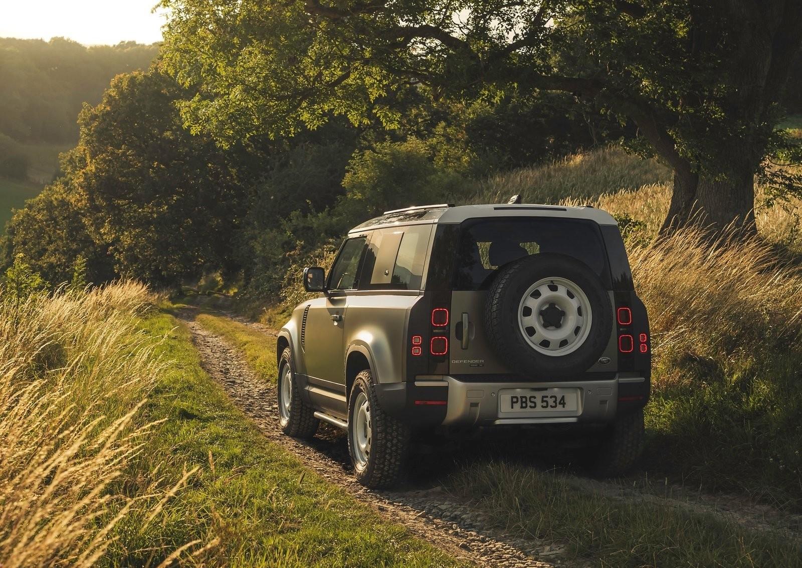 Foto de Land Rover Defender 2020 (36/60)