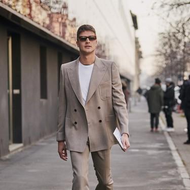 El mejor streetstyle de la semana: un traje camel combina bien con todo