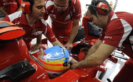 """Fernando Alonso: """"La carrera va a ser bastante dura en cuanto a degradación y ahí va a estar la clave"""""""