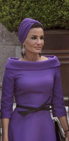 Mozah Bint Nasser, jequesa de Qatar, o cómo lucir un turbante