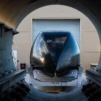 Richard Branson se adelanta a Elon Musk: Virgin Hyperloop transporta a dos pasajeros por 500 metros en tan solo 15 segundos