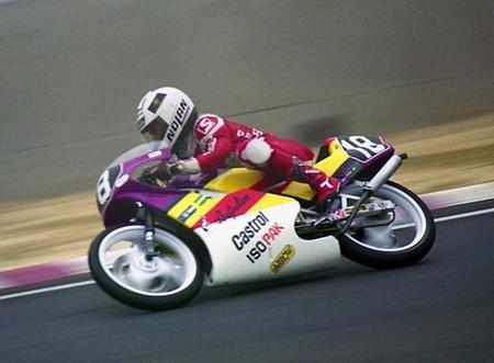 Taru Rinne durante el Gran Premio de Japón de 1990