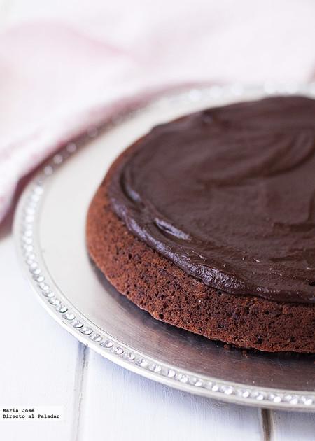Pastel vegano de chocolate y naranja: receta para disfrutar de una suculenta merienda