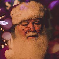 Controlar las luces del árbol con la voz y otras mil funciones más: la IA acapara el espíritu navideño