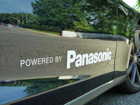 Panasonic quiere poner algo más que baterías a los Tesla y pone el ojo en el sistema de conducción autónoma