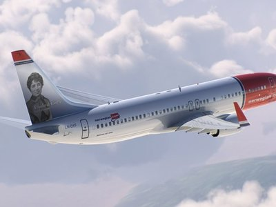 Norwegian Airlines bautiza 'Rosalía de Castro' a uno de sus aviones
