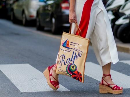El street style nos da nueve ideas para lucir nuestras sandalias de cuña sin cansarnos jamás