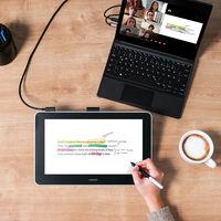 """Del papel y los """"rotus"""" a las tabletas gráficas: guía para pintar y escribir con un lápiz digital"""