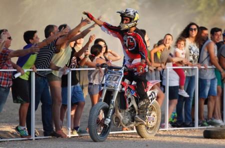 Julián Simón volvió a incendiar Villacañas, ¡espectacular el Sixty Rider Festival!