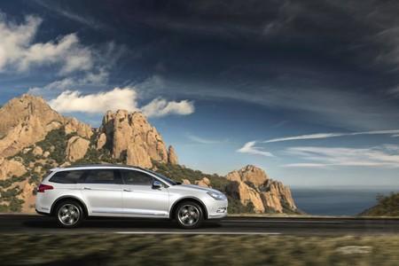 El Citroën C5 2017 no es el más avanzado tecnológicamente, de ahí su ajustado precio