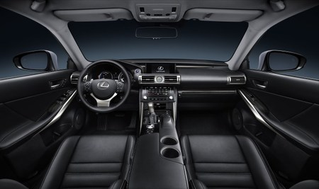 Lexus IS 300h Interior