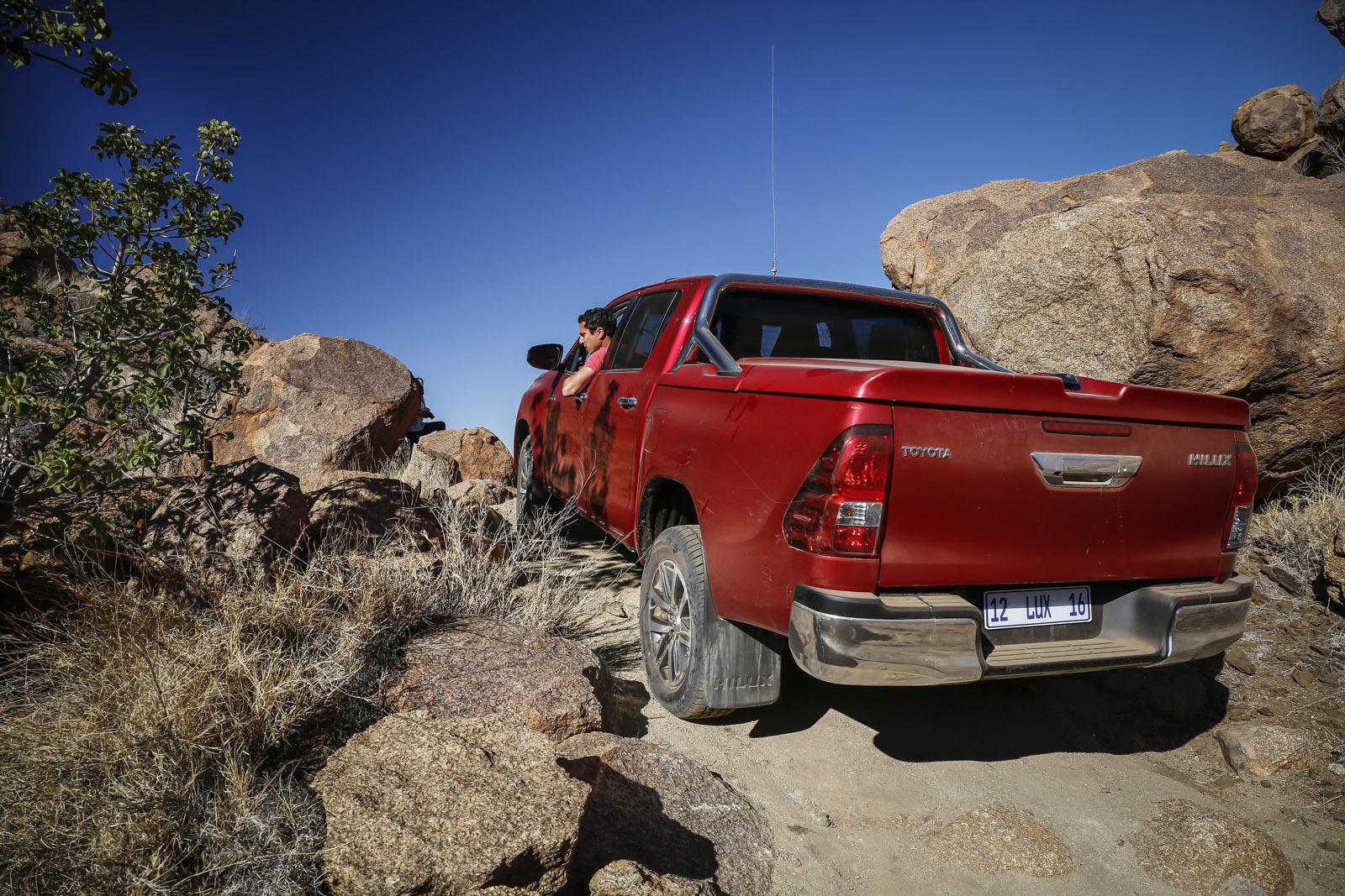 Foto de Toyota Hilux 2016 Namibia (57/74)