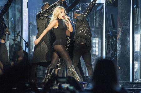 Sale a la venta de colección de Lady Gaga x Urban Outfitters, cuando el merchandising lo mola todo