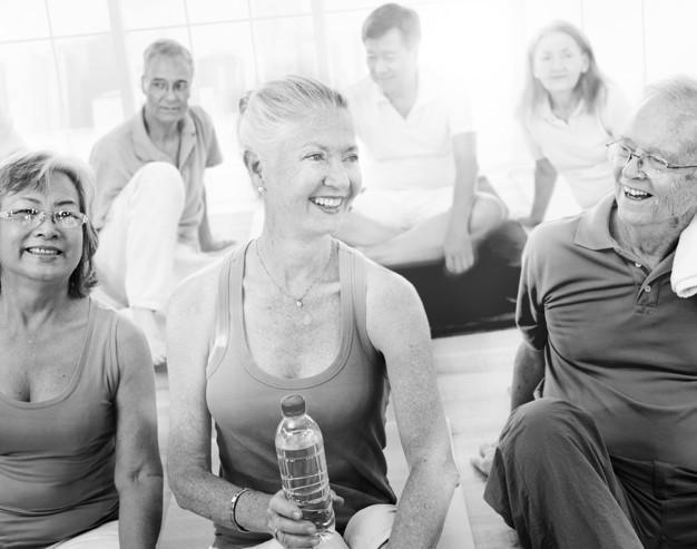 Ejercicio en la tercera edad: esto es lo que pueden hacer los adultos mayores en el gimnasio