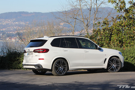 BMW X5 2019 lateral trasera