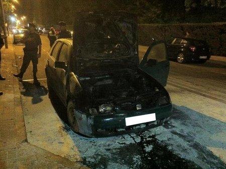 SEAT Ibiza ardiendo 3