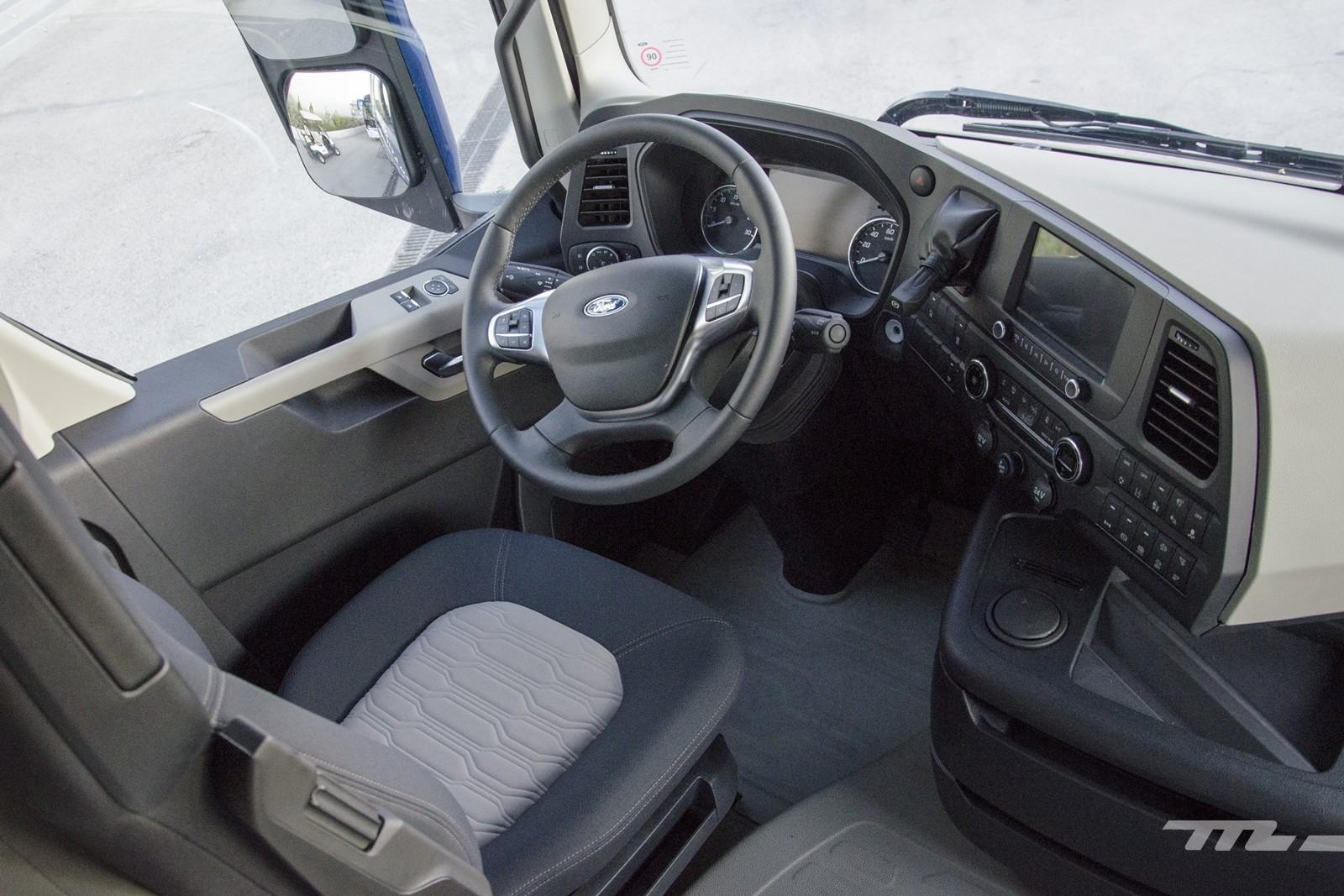 Foto de Ford Trucks F-MAX 2019, contacto (30/31)