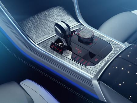 Los interiores con madera son cosa del pasado, lo de hoy son los meteoritos y BMW ya lo hizo con el Serie 8