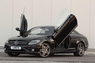Mercedes CL con puertas estilo tijera