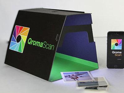 Digitaliza tus fotografías en papel con el ingenioso método que nos propone QromaScan