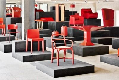 Tnk A500 de Actiu y otras piezas de diseño contemporáneo en 'ROJO Spanish design on stage'