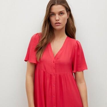 Zara y Mango tienen estos 23 vestidos tan ideales que vas a poder lucir durante y después del embarazo