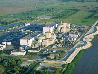 Francia ofrece a Tesla Motors una central nuclear para levantar una nueva fábrica en Europa