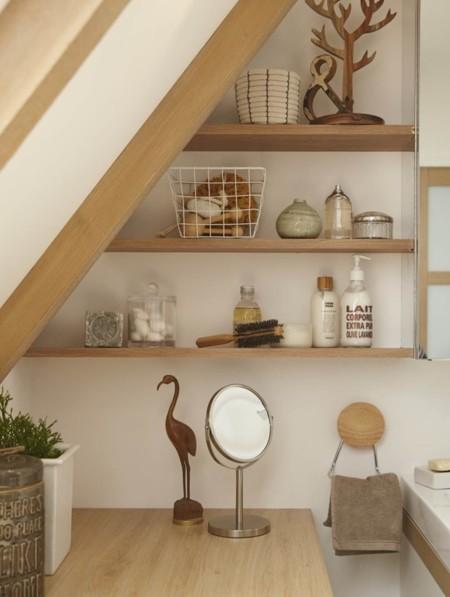 8 Soluciones para multiplicar el espacio de un baño pequeño