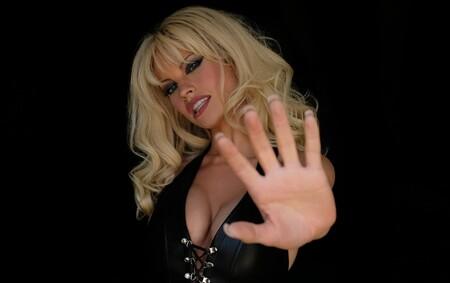 Lily James y Sebastian Stan vuelven a los 90 con su nueva serie: son Pamela Anderson y Tommy Lee y están irreconocibles