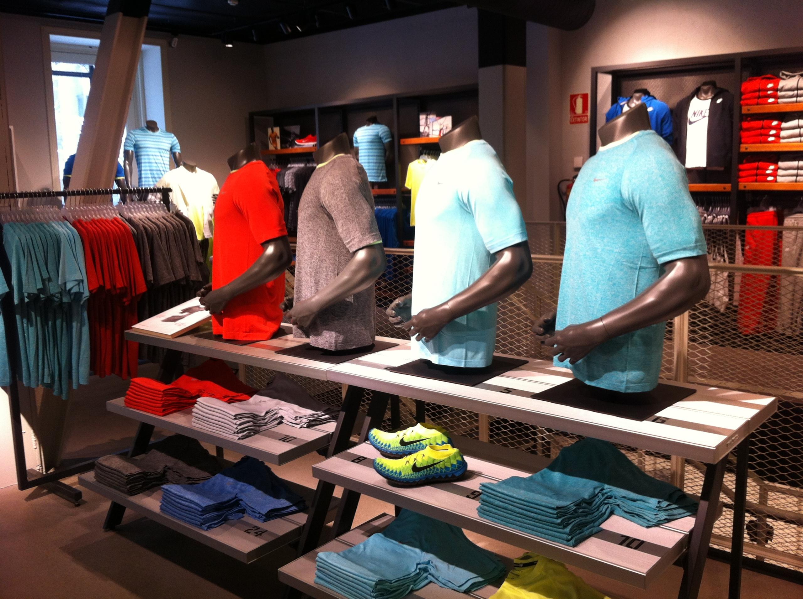 Foto de Nike Store Serrano (3/17)
