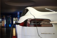 Tesla Motors busca una nueva meta: vender 55.000 coches eléctricos en 2015